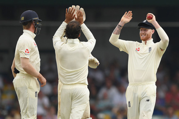 Third Test : England cleansweeps Sri Lanka by 3-0 - Cricket News in Hindi