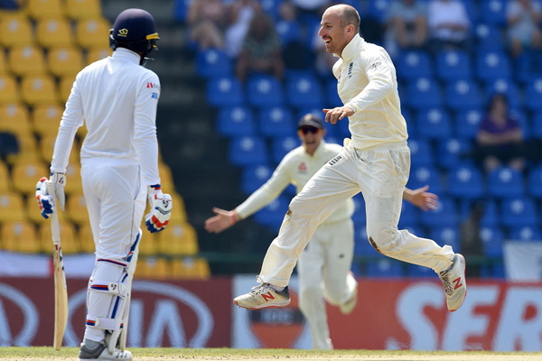 Second Test : England need 3 wickets and Sri Lanka 75 runs for win - Cricket News in Hindi