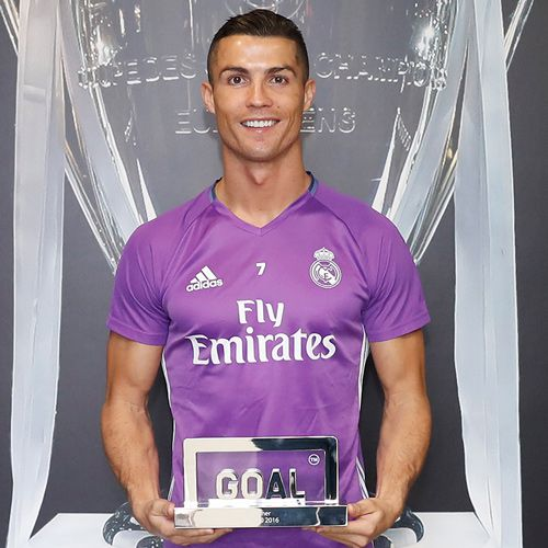 Cristiano Ronaldo wins goal 50 award to outclass these 3 superstar footballers - Sports News in Hindi