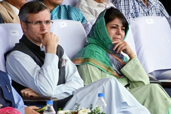Kashmir crisis : Amit Shah holds Kashmir talks with Ajit Doval, intel chiefs - India News in Hindi