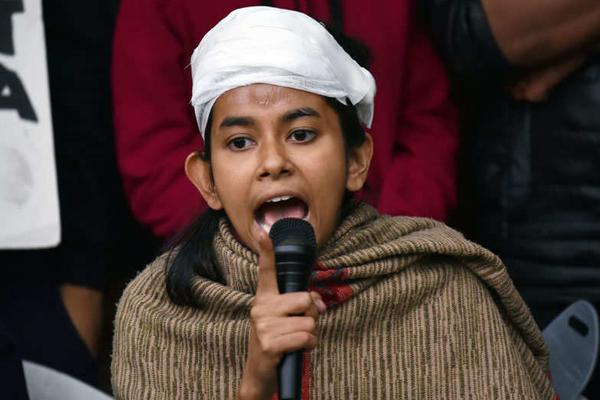 JNUSU president Aishe Ghosh registered fir for her murder attempt - Delhi News in Hindi