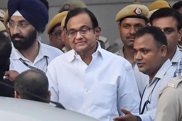 Shashi Tharoor, Manish Tiwari and Karti met P Chidambaram in tihar jail - Delhi News in Hindi