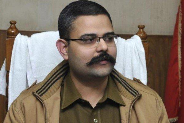 Uttar Pradesh : Noida SSP suspended after report of bribery allegations against top officers leaked - Noida News in Hindi