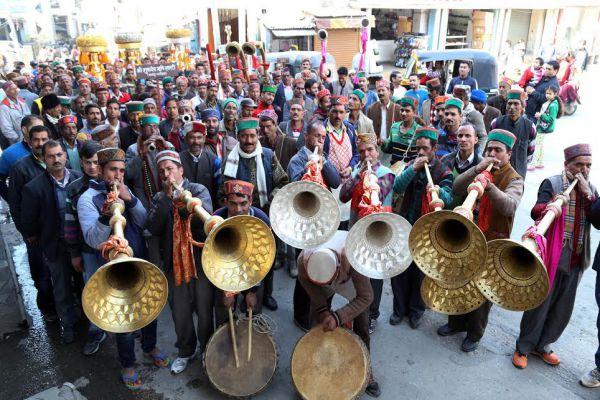 Karaj began with worship in the temples of Shivaratri, the fair will be the introduction of Jaleb of Rajmadhav - Mandi News in Hindi