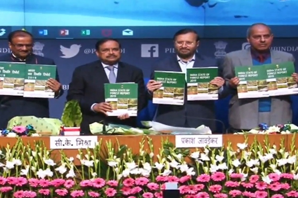 Union Environment, Forest and Climate Change Minister Prakash Javadekar release the India State of Forest Report - Delhi News in Hindi