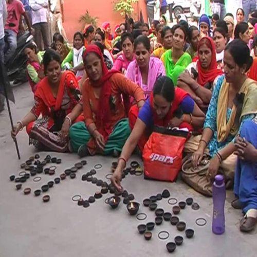 Black Black Diwali celebrated by lighting diyas - Rewari News in Hindi