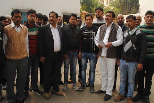 SSP office performed by Brahmin society - Meerut News in Hindi