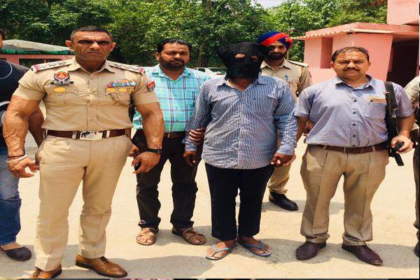सिंह शहीदां गुरुद्वारा साहिब की सेवा संभाल करने वाले ग्रंथि सिंह ने ही की बेअदबी