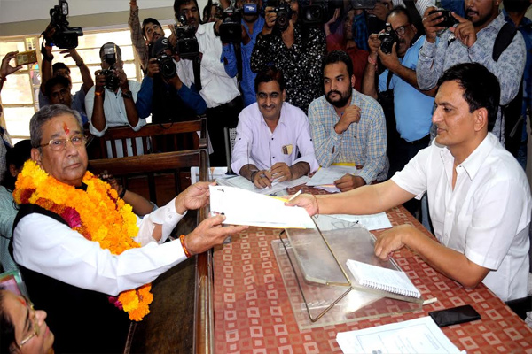 Rajasthan  Election - On the first day, 16 candidates filed 23 nomination papers. - Jaipur News in Hindi