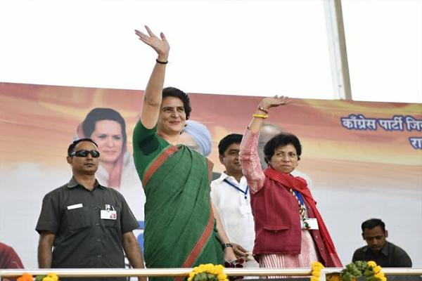 कांग्रेस महासचिव प्रियंका गांधी ने PM मोदी की तुलना अहंकारी दुर्योधन से की
