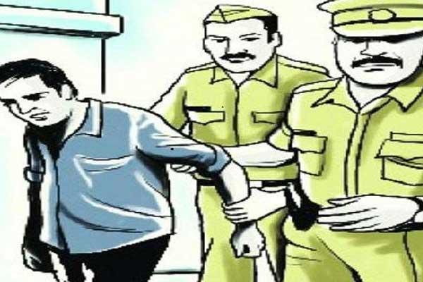 नकली सोने की दो ईंट के साथ गिरफ्तार दो बदमाश दो दिन के रिमांड पर