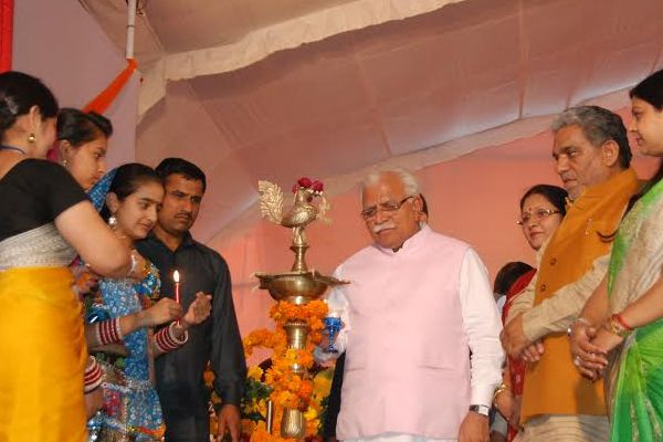 Haryana police, 33 per cent in the number of women-Khattar - Sonipat News in Hindi
