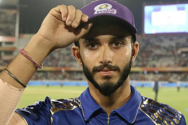 IPL : Mumbai Indians signed Sherfane Rutherford and releases Mayank Markande - Cricket News in Hindi
