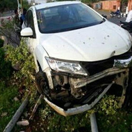 car driver beat policeman in jodhpur district - Jodhpur News in Hindi