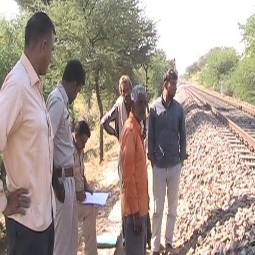 young mans body was found on the railway track in churu - Churu News in Hindi