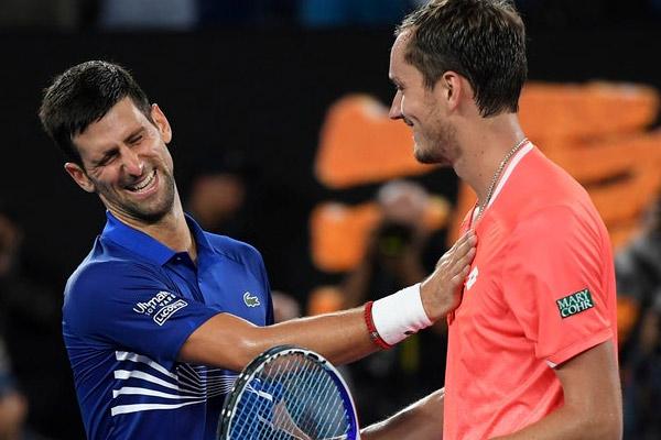 Australian Open : Novak Djokovic beat Daniil Medvedev in quarter final - Tennis News in Hindi
