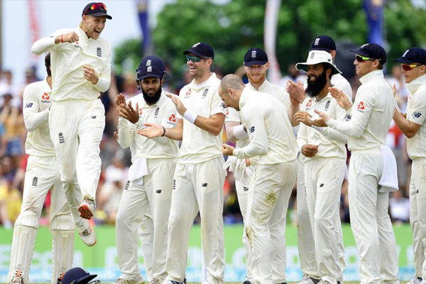 First Test : England beat Sri Lanka by 211 runs on just fourth day - Cricket News in Hindi