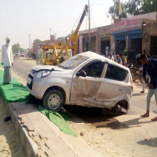 the Car damaged by truck collision - Hanumangarh News in Hindi