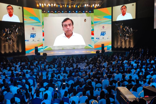 Magnificent MP in Indore : Mukesh Ambani says, all services of jio will be provided in hindi - Indore News in Hindi