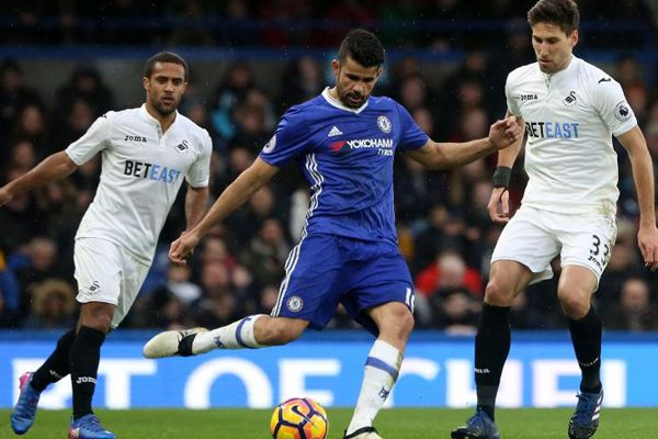 Chelsea comes on top position in EPL after beating Swansea football club - Football News in Hindi