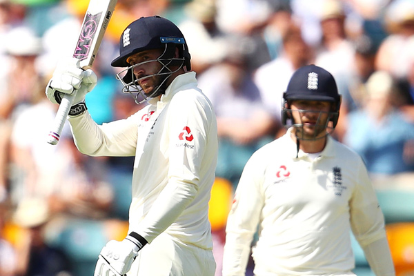 Ashes Series : James Vince and Mark Stoneman smashes fifty on first day of first test - Cricket News in Hindi
