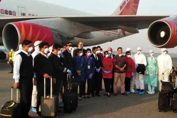 Coronavirus scare : special Air India flight carrying 324 Indians landed in Delhi from wuhan - Delhi News in Hindi