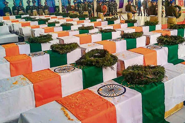 CRPF to Pay Homage to Soldiers Killed in Pulwama Attack - Srinagar News in Hindi