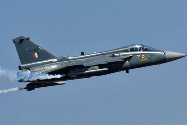 Defence secretary Ajay Kumar says, India to acquire 200 fighter jets for Air Force - Kolkata News in Hindi