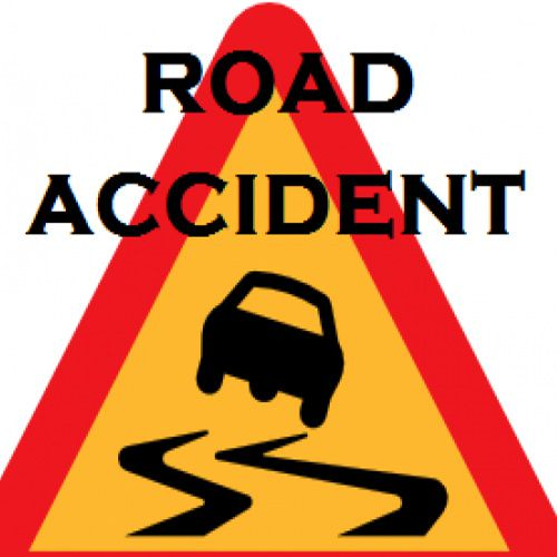 driver injured in car and tractor accident - Moga News in Hindi