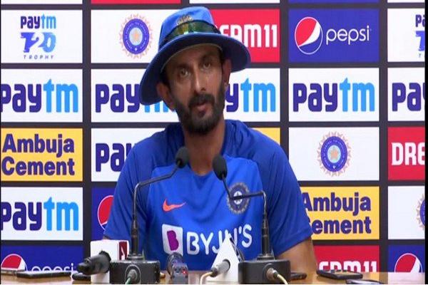 Indian cricket team batting coach vikram rathore reaction about rishabh pant and rohit sharma - Cricket News in Hindi