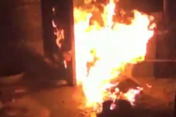 UP : सिलेंडर लीक होने से लगी आग, बच्ची की मौत