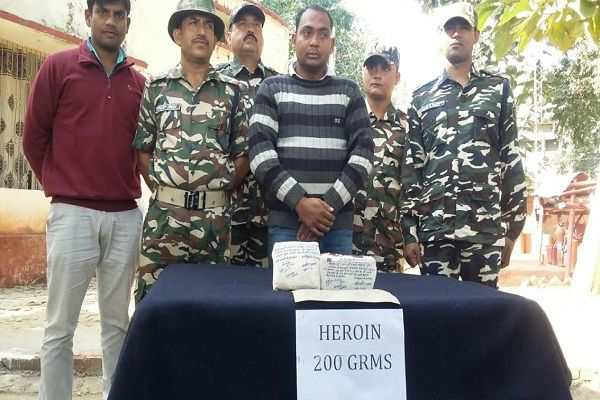 1 arrested with heroin, worth millions - Bahraich News in Hindi