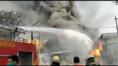 Ghaziabad factory caught fire, factory exploded in drums - Ghaziabad News in Hindi