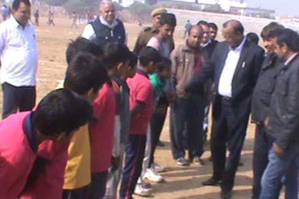 Youth football competition show talent - Bharatpur News in Hindi