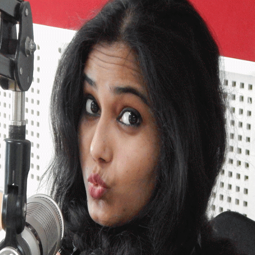 flirting with rj nidhi she will leave allahabad, dm stopped - Allahabad News in Hindi