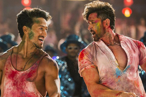 Box Office Collection : War has become the 10th highest-grossing hindi film of all time - Bollywood News in Hindi