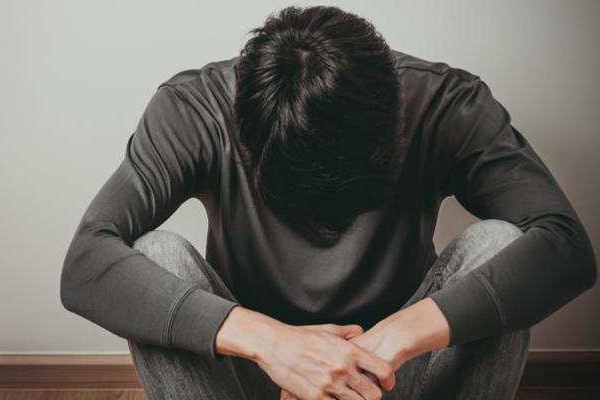 Pakistan : Youth suffering from mental disorders - World News in Hindi