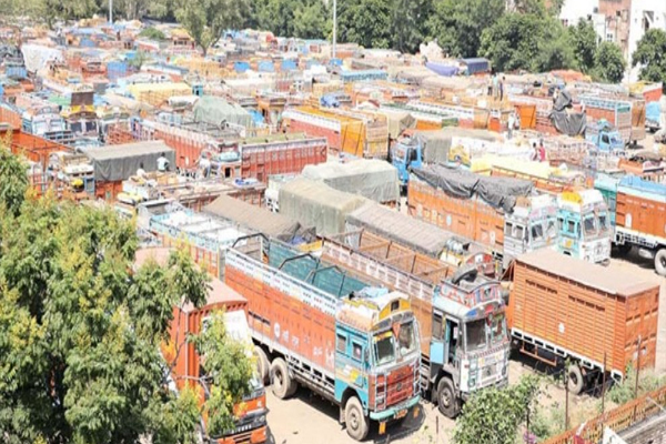 Air pollution in Bihar : Nitish Kumar government decides to ban 15 years old commercial vehicles - Patna News in Hindi