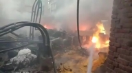 Noida: fierce fire in chemical factory, 12 fire engines caught - Noida News in Hindi