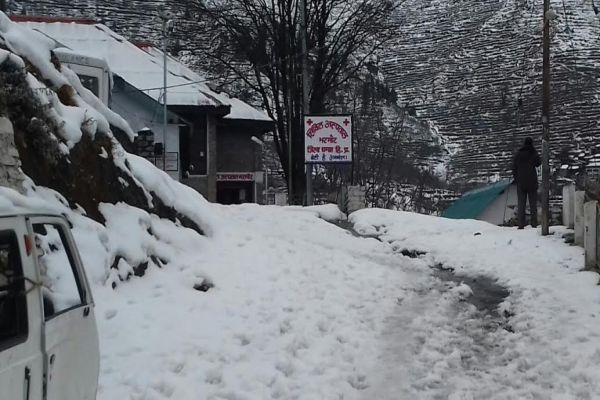 Hills snow, rain and sleet in the lower areas - Chamba News in Hindi