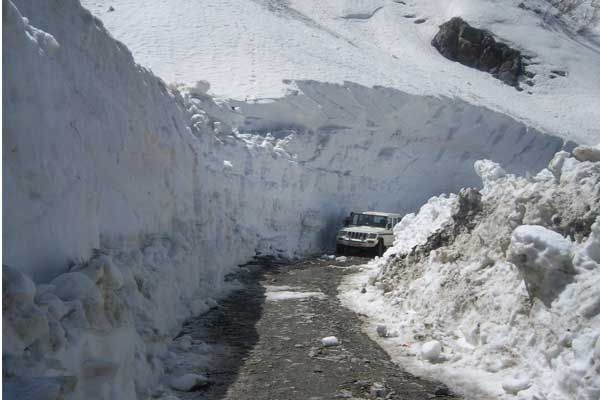 Now taxi cab fair five hundred rupees from Manali to Kelong - Kullu News in Hindi