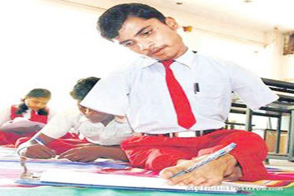 childrens painting competition divyanga sports - Hamirpur News in Hindi
