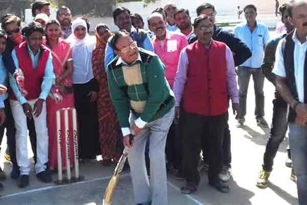 Dhariwal Inauguration cricket competition by play cricket - Kota News in Hindi