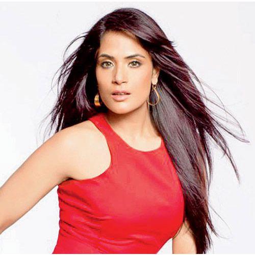 I am Always Up For Experimentation says Richa Chadha - Bollywood News in Hindi