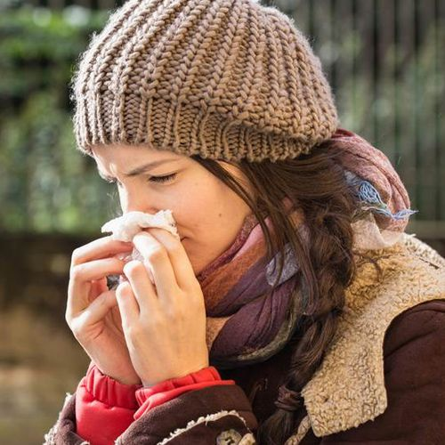 How to protect yourself from allergy in changing weather - Health Tips in Hindi
