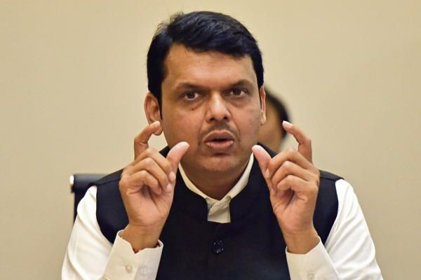 maharashtra government should forgive the entire debt of the farmers says shiv sena - Mumbai News in Hindi