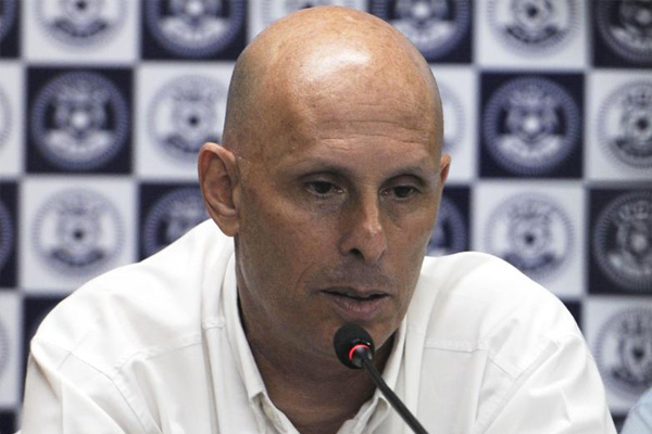 Indian football team coach Stephen Constantine will help england during under-17 world cup - Football News in Hindi