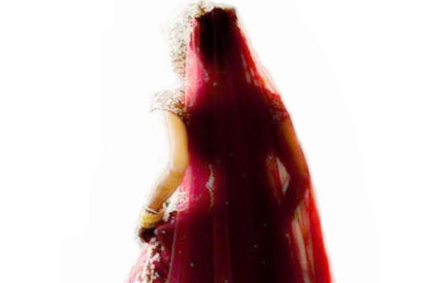 The bride who ran away with the Pandit who got married - Weird Stories in Hindi