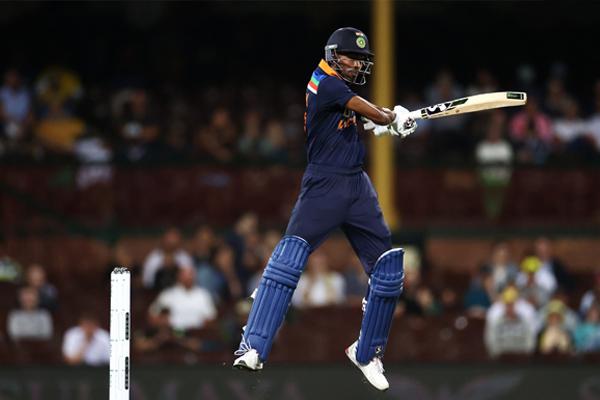 सिडनी वनडे : आस्ट्रेलिया ने भारत को 66 रनों से हराया, सीरीज में बनाई 1-0 की बढ़त
