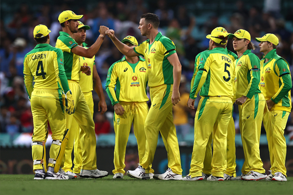 Sydney ODI: Finch and Warner hit FIFTY, Australia score around 150 runs - Cricket News in Hindi